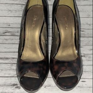 Xappeal Leopard print Patent Leather Heels SZ: 8